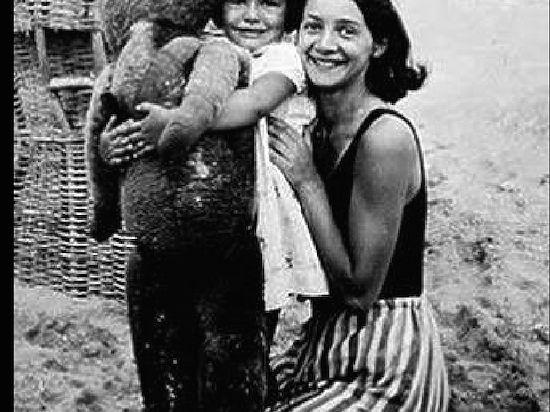 3000 еврейских детей были депортированы французами в газовые печи Освенцима.